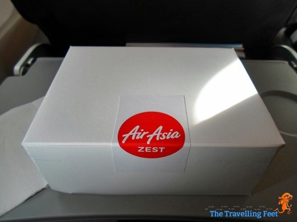 the breakfast box at AirAsia